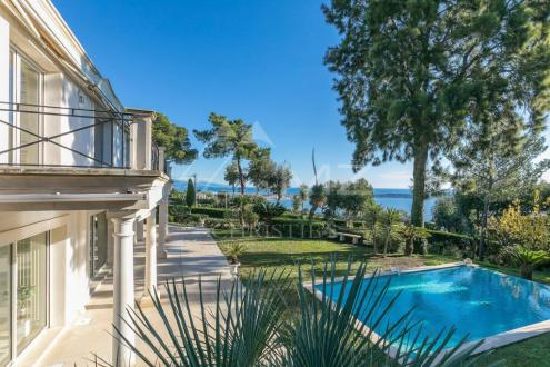 Luxury Villa for sale VALLAURIS, 250 m², 3 Bedrooms, € 3 200 000