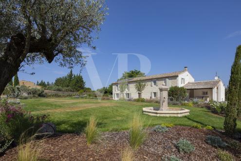 Maison de luxe à vendre EYGALIERES, 450 m², 6 Chambres, 3990000€