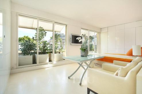 Luxus-Wohnung zu vermieten PARIS 16E, 32 m², 1 Schlafzimmer, 1980€/monat