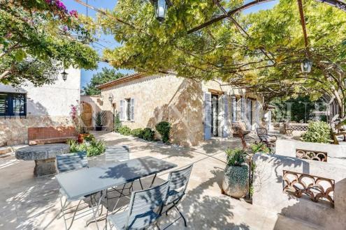 Luxury Villa for sale ANTIBES, 210 m², 6 Bedrooms, €2395000