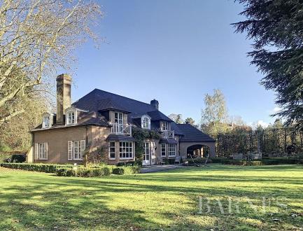 Luxe Villa te koop UKKEL, 420 m², 6 Slaapkamers, 3950000€