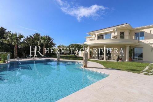 Maison de luxe à louer BEAULIEU SUR MER, 350 m², 6 Chambres,