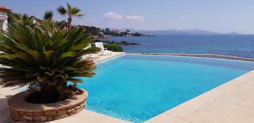 Villa de luxe à vendre SAINT AYGULF, 400 m², 8 Chambres, 4800000€