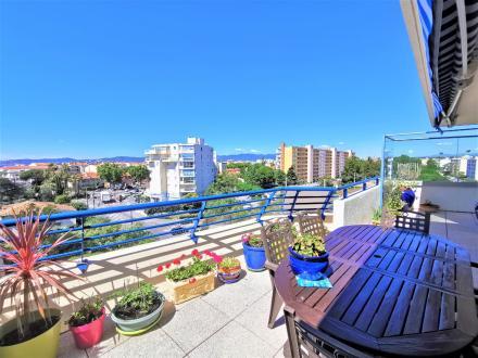 Appartamento di lusso in vendita FREJUS, 76 m², 2 Camere, 535000€