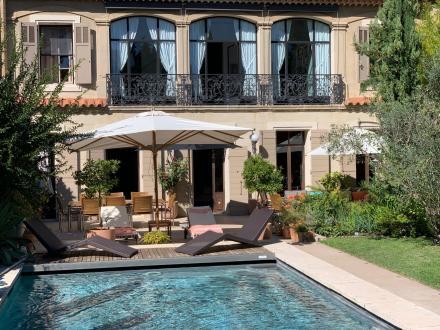 Дом класса люкс на продажу  Экс-Ан-Прованс, 280 м², 5 Спальни, 2600000€