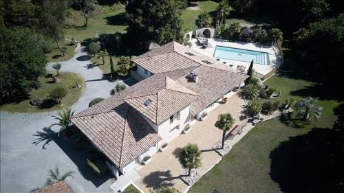 Luxus-Haus zu verkaufen LABENNE, 246 m², 3 Schlafzimmer, 811200€