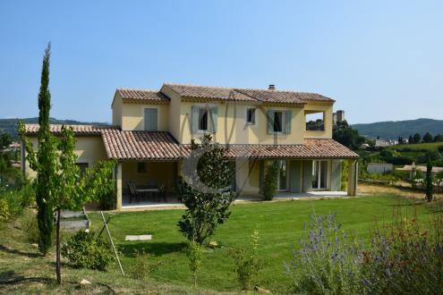 Maison de luxe à vendre VAISON LA ROMAINE, 199 m², 5 Chambres, 669000€