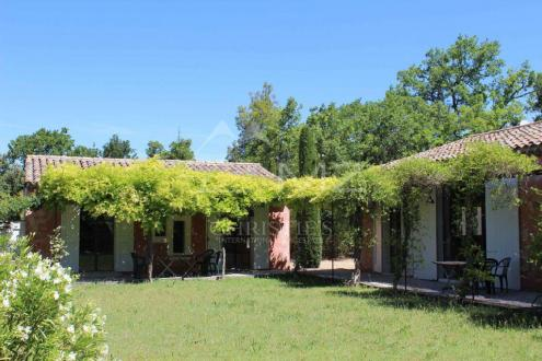 Luxury House for rent CABRIERES D'AVIGNON, 150 m², 3 Bedrooms,
