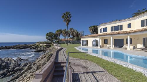Villa de luxe à vendre SAINT AYGULF, 430 m², 6 Chambres