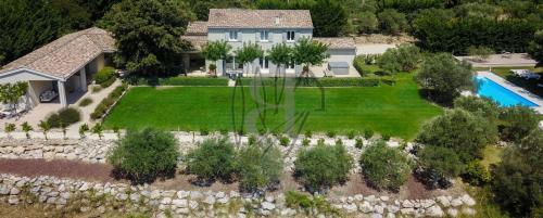 Casa di lusso in vendita BEDOIN, 260 m², 7 Camere, 1050000€