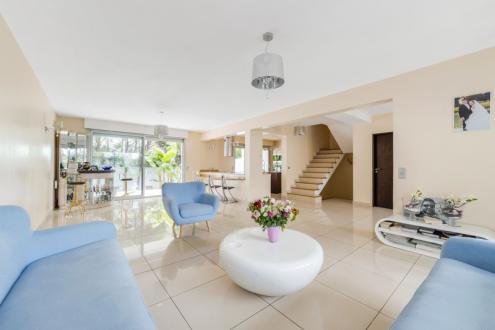 Дом класса люкс на продажу  Париж 12ый, 284 м², 5 Спальни, 1225000€
