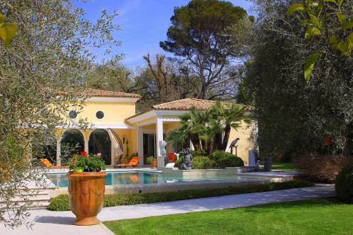 Villa de luxe à vendre MOUGINS, 350 m², 5 Chambres, 3750000€