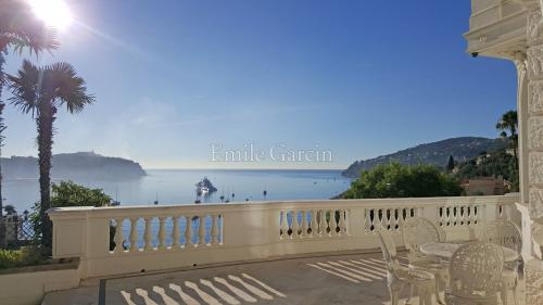 Luxury House for rent VILLEFRANCHE SUR MER, 350 m², 6 Bedrooms,
