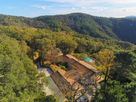 Propriété de luxe à vendre LA GARDE FREINET, 240 m², 6 Chambres, 1207000€