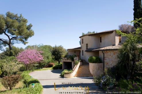 Maison de luxe à vendre BIOT, 486 m², 5 Chambres, 2350000€