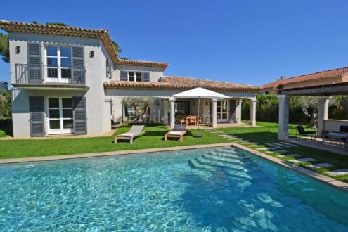 Maison de luxe à louer GASSIN, 250 m², 5 Chambres,