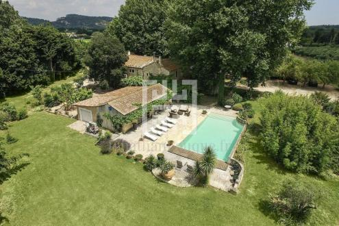 Casa di lusso in affito SAINT REMY DE PROVENCE, 400 m², 5 Camere,