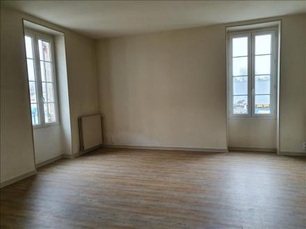 Luxe Huis te huur CHALAIS, 110 m², 3 Slaapkamers, 600€/maand