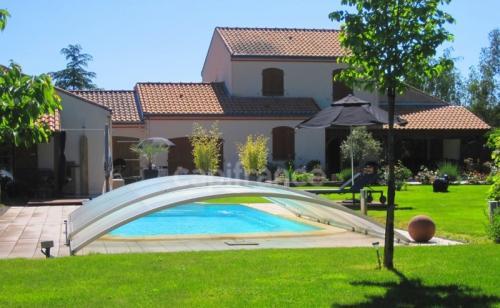 Maison de luxe à vendre PONT SAINT MARTIN, 225 m², 6 Chambres, 900000€