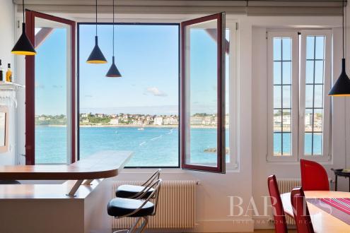 Квартира класса люкс на продажу  Сибур, 102 м², 3 Спальни, 1270000€