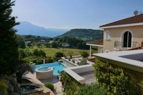Luxus-Villa zu verkaufen BRIE ET ANGONNES, 350 m², 5 Schlafzimmer, 1050000€