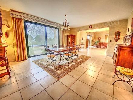 Farm класса люкс на продажу  Эг Морт, 270 м², 4 Спальни, 1095000€