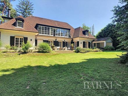 Luxe Villa te koop SINT GENESIUS RODE, 5 Slaapkamers, 2750000€