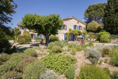Luxus-Farm zu verkaufen VAISON LA ROMAINE, 380 m², 6 Schlafzimmer, 975000€