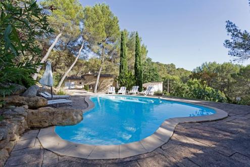 Villa de luxe à vendre ROGNES, 184 m², 5 Chambres, 862000€