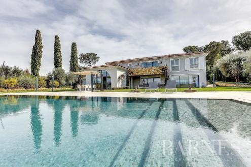 Luxus-Haus zu vermieten MOUGINS, 650 m², 5 Schlafzimmer,