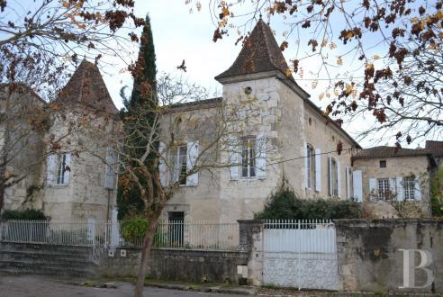 Tenuta di lusso in vendita AGEN, 420 m², 7 Camere, 650000€
