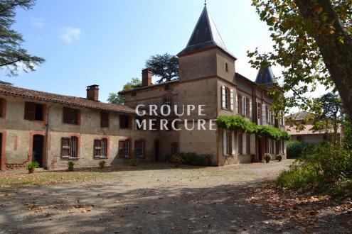 Château / Manoir de luxe à vendre CAUJAC, 640 m², 12 Chambres, 890000€