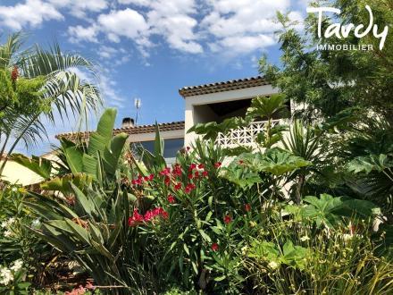 Casa di lusso in vendita LA CIOTAT, 200 m², 4 Camere, 1050000€