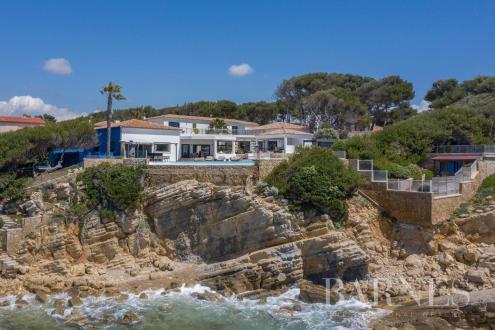 Luxus-Liegenschaft zu verkaufen SANARY SUR MER, 600 m², 5 Schlafzimmer, 8800000€