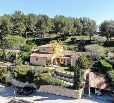 Maison de luxe à vendre SAINT CYR SUR MER, 148 m², 3 Chambres, 1550000€