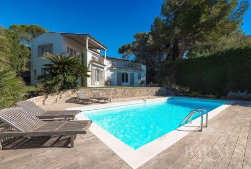 Luxury House for rent LE CANNET, 320 m², 5 Bedrooms,