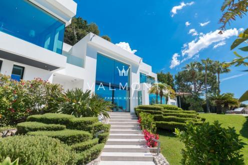 Maison de luxe à louer ROQUEBRUNE CAP MARTIN, 410 m², 5 Chambres,