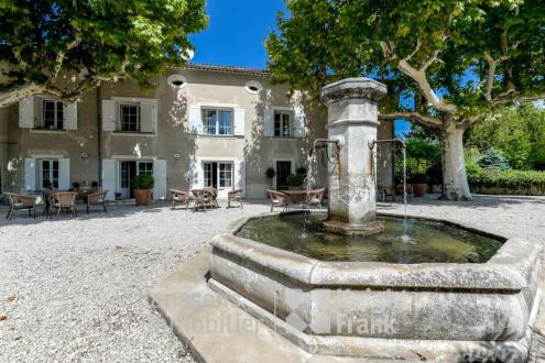 Luxe Farm te koop L'ISLE SUR LA SORGUE, 480 m², 10 Slaapkamers, 1890000€
