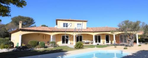 Casa di lusso in vendita FREJUS, 209 m², 4 Camere, 880000€