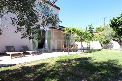 Villa de luxe à vendre CAP D'ANTIBES, 160 m², 4 Chambres, 1380000€