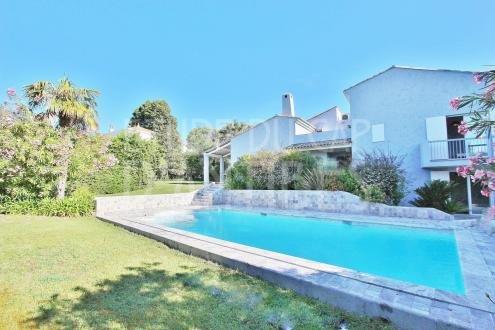 Luxury House for sale CAP D'ANTIBES, 250 m², 4 Bedrooms, € 2 650 000