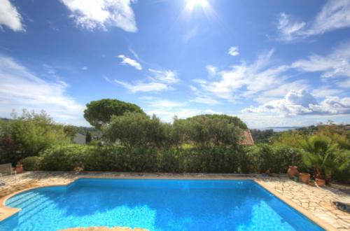 Maison de luxe à vendre LES ISSAMBRES, 95 m², 4 Chambres, 640000€