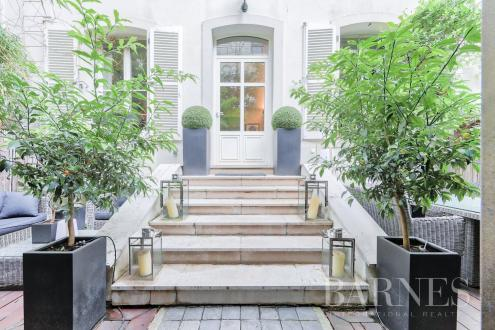 Maison de luxe à louer PARIS 16E, 141 m², 3 Chambres, 9000€/mois