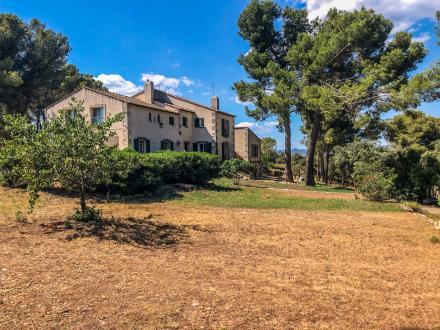 Maison de luxe à vendre MAUSSANE LES ALPILLES, 400 m², 9 Chambres, 1590000€