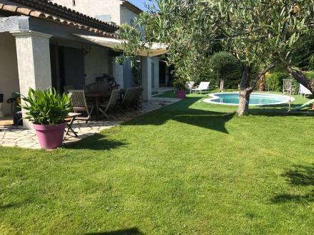 Villa di lusso in vendita VALLAURIS, 180 m², 850000€