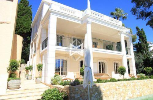 Вилла класса люкс на продажу  Кап д'Антиб, 260 м², 4 Спальни, 2650000€