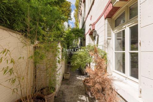Дом класса люкс на продажу  Париж 16ый, 208 м², 6 Спальни, 3680000€