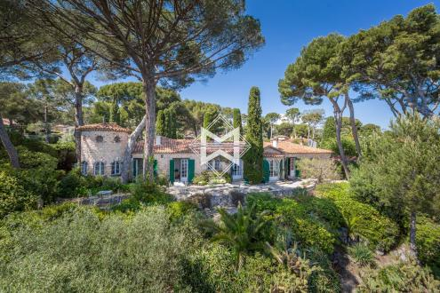 Luxury House for sale CAP D'ANTIBES, 380 m², 7 Bedrooms, €8900000