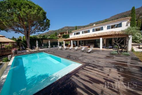 Luxury Villa for sale LE LAVANDOU, 220 m², 4 Bedrooms, €2300000