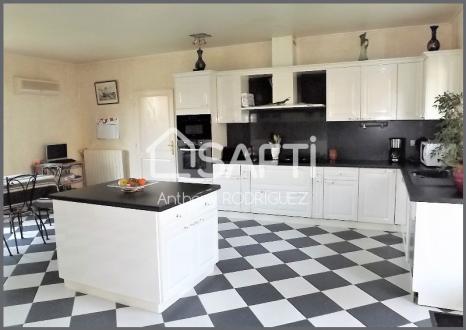 Maison de luxe à vendre MACAU, 303 m², 7 Chambres, 556500€